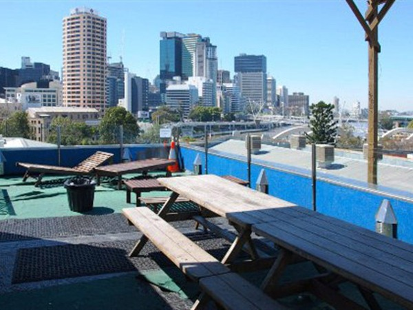 Cloud 9 Backpackers Resort - Sydney Tourism