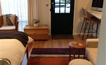 Milo's Bed and Breakfast - Sydney Tourism