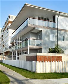 Bujerum Apartments on Burleigh - Sydney Tourism