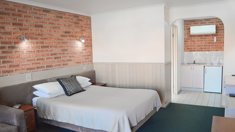 BEST WESTERN Colonial Motor Inn - Sydney Tourism