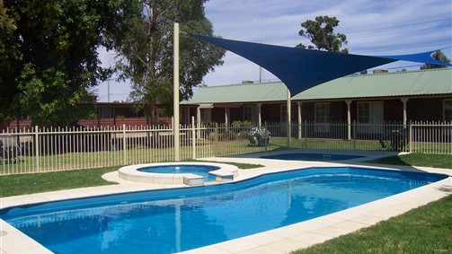 Carn Court Holiday Apartments - Sydney Tourism