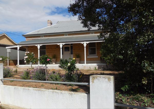 Book Keepers Cottage Waikerie - Sydney Tourism