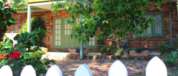 Kalamunda Carriages and Three Gums Cottage - Sydney Tourism