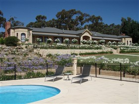 Brice Hill Country Lodge - Sydney Tourism