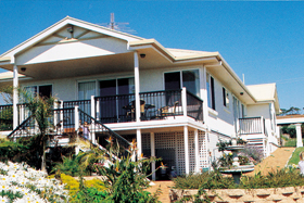 Loverings White House - Emu Bay - Sydney Tourism