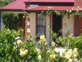 Wine And Roses Bed And Breakfast - Sydney Tourism