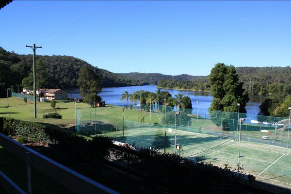 Juniors on Hawkesbury - Sydney Tourism