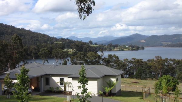 Huon River Cottage - Sydney Tourism