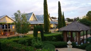 Berri Bed and Breakfast - Sydney Tourism