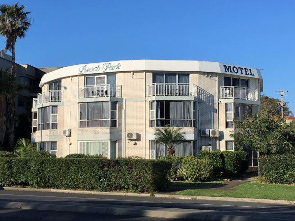Beach Park Motel - Sydney Tourism