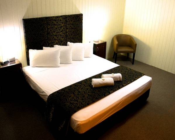 Country Plaza Motor Inn - Sydney Tourism