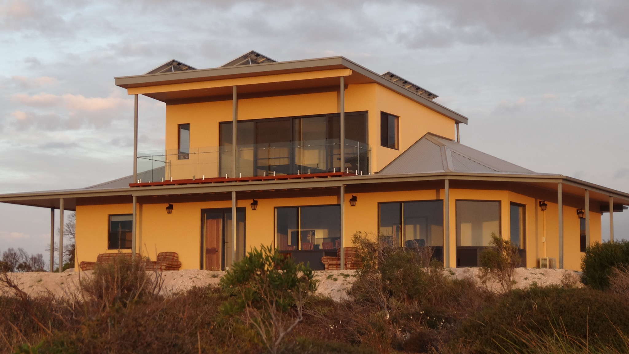 Dolphin Holiday House - Sydney Tourism