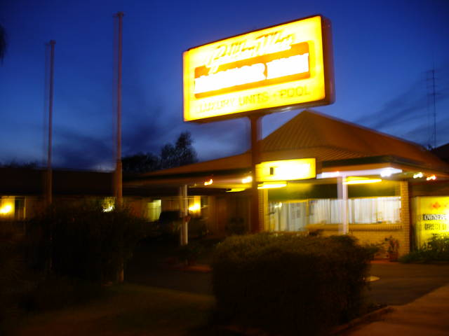 Golden West Motor Inn - Sydney Tourism