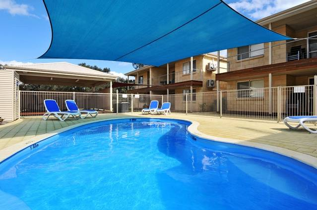 Lakeside Holiday Apartments - Sydney Tourism