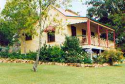 Mango Hill Cottages Bed & Breakfast