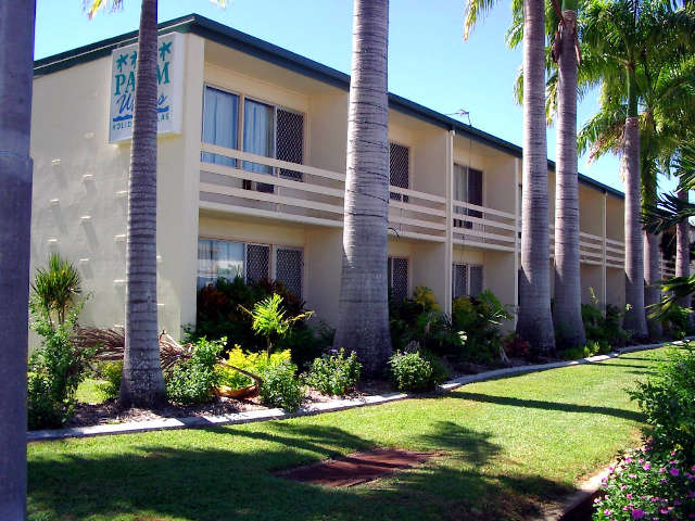 Palm Waters Holiday Villas - Sydney Tourism
