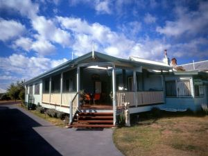 Pitstop Lodge Guesthouse and BB - Sydney Tourism