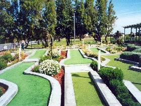 West Beach Mini Golf - Sydney Tourism