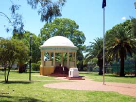 Kingaroy Memorial Park - Sydney Tourism