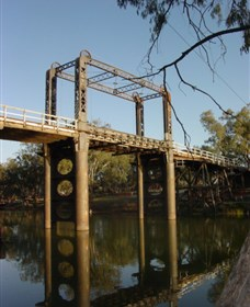 The Historic Barwon Bridge - Sydney Tourism