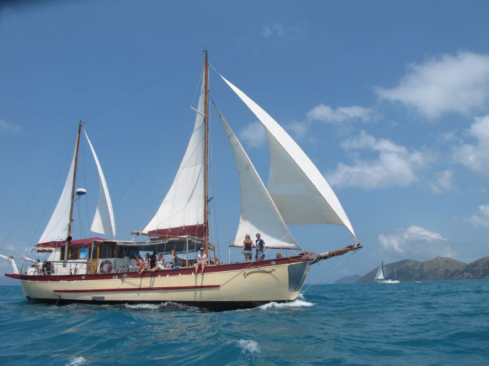 Adventure Cruise Dive and Outer Reef - Whitsundays Sailing Adventures - Sydney Tourism