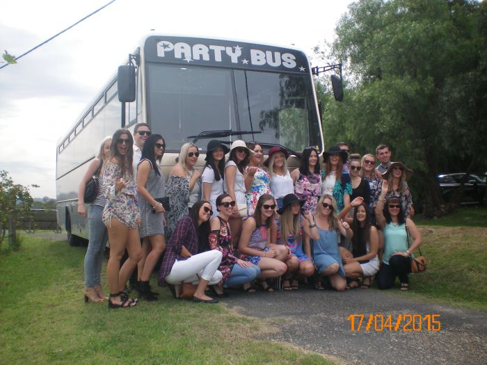 R  R Bus and Leisure Hire - Sydney Tourism
