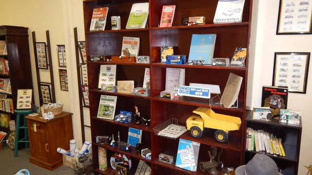 Meri Collectables