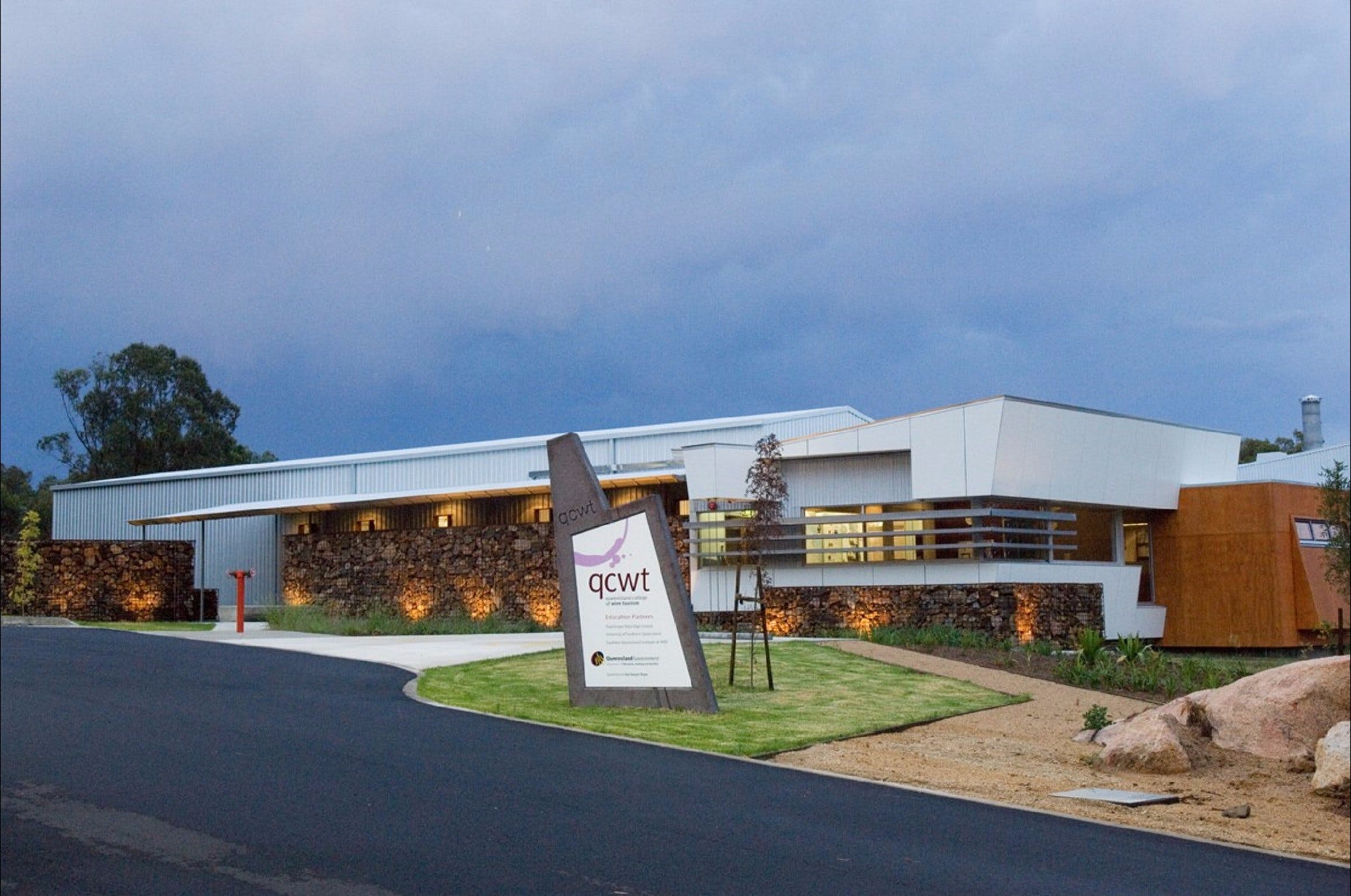 Varias Restaurant and Function Centre at the Queensland College of Wine Tourism - Sydney Tourism