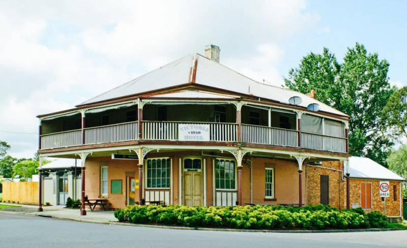 The Victoria Hotel Hinton - Sydney Tourism