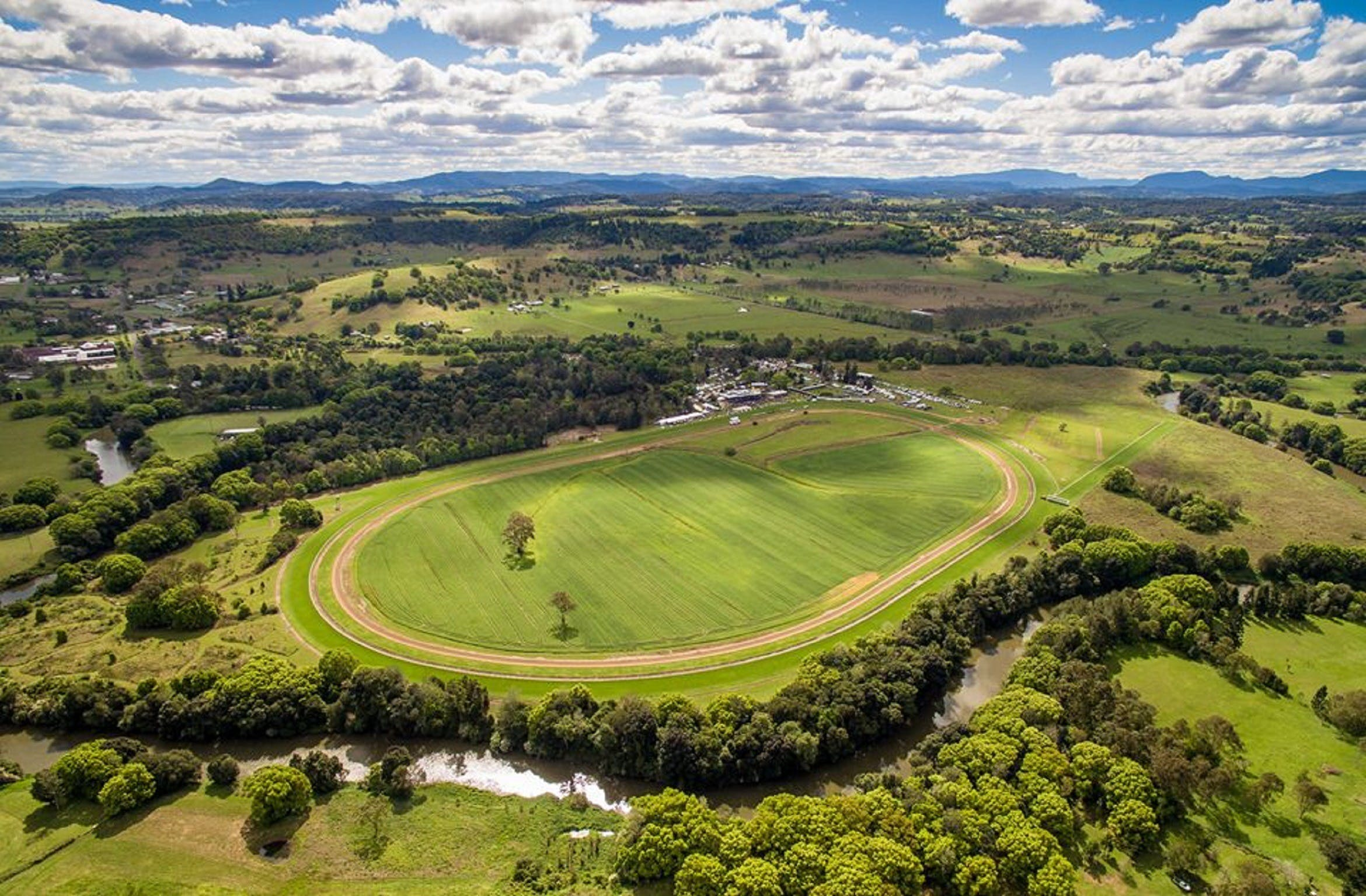 The OBrien Electrical and Plumbing Lismore Cup - Sydney Tourism
