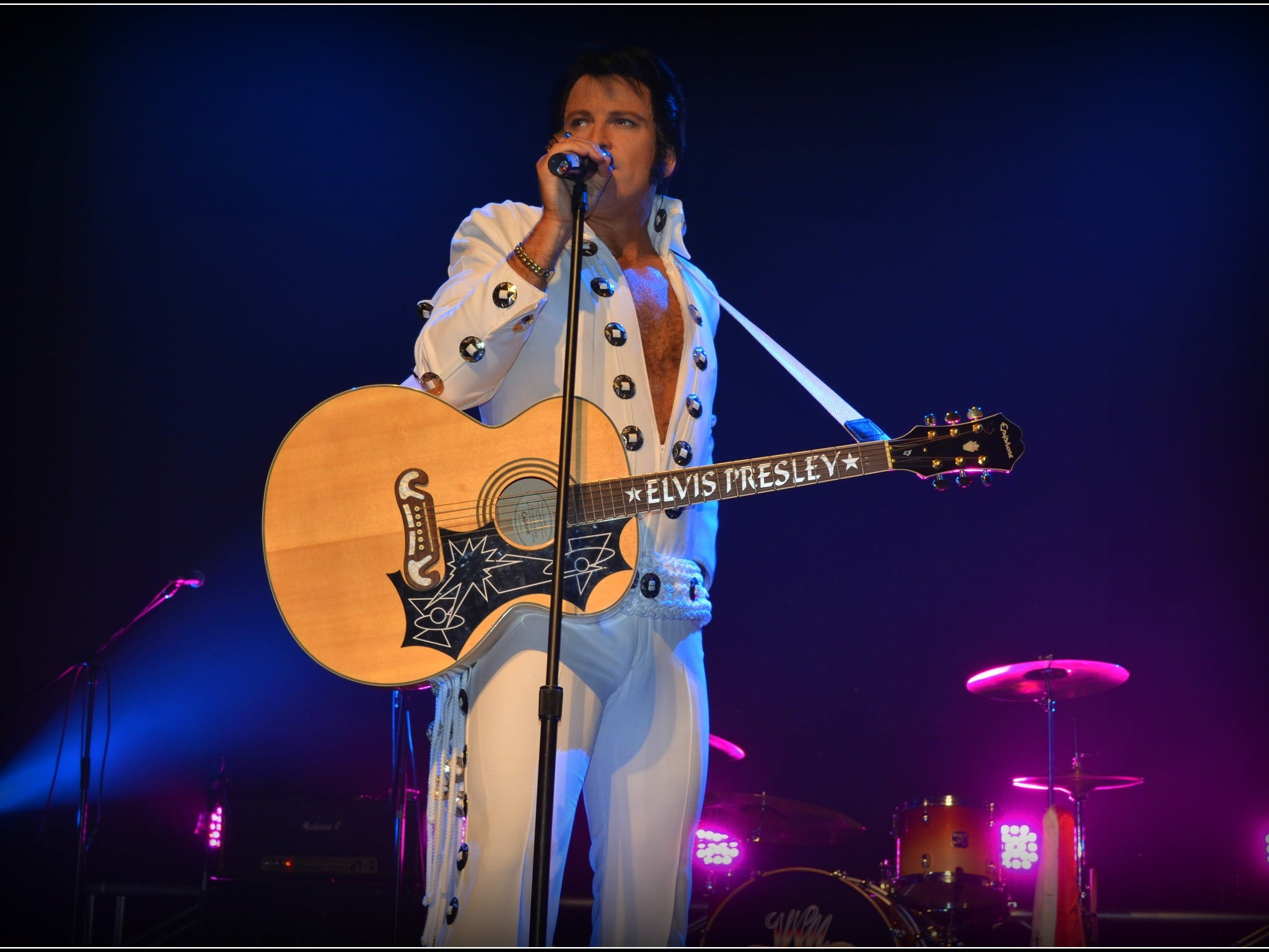 Elvis Forever - Damian Mullin 'Up Close and Personal' - Sydney Tourism