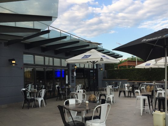 Medrock Bar and Grill - Sydney Tourism