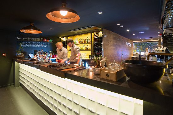 The Oakroom Kitchen and Bar - Sydney Tourism