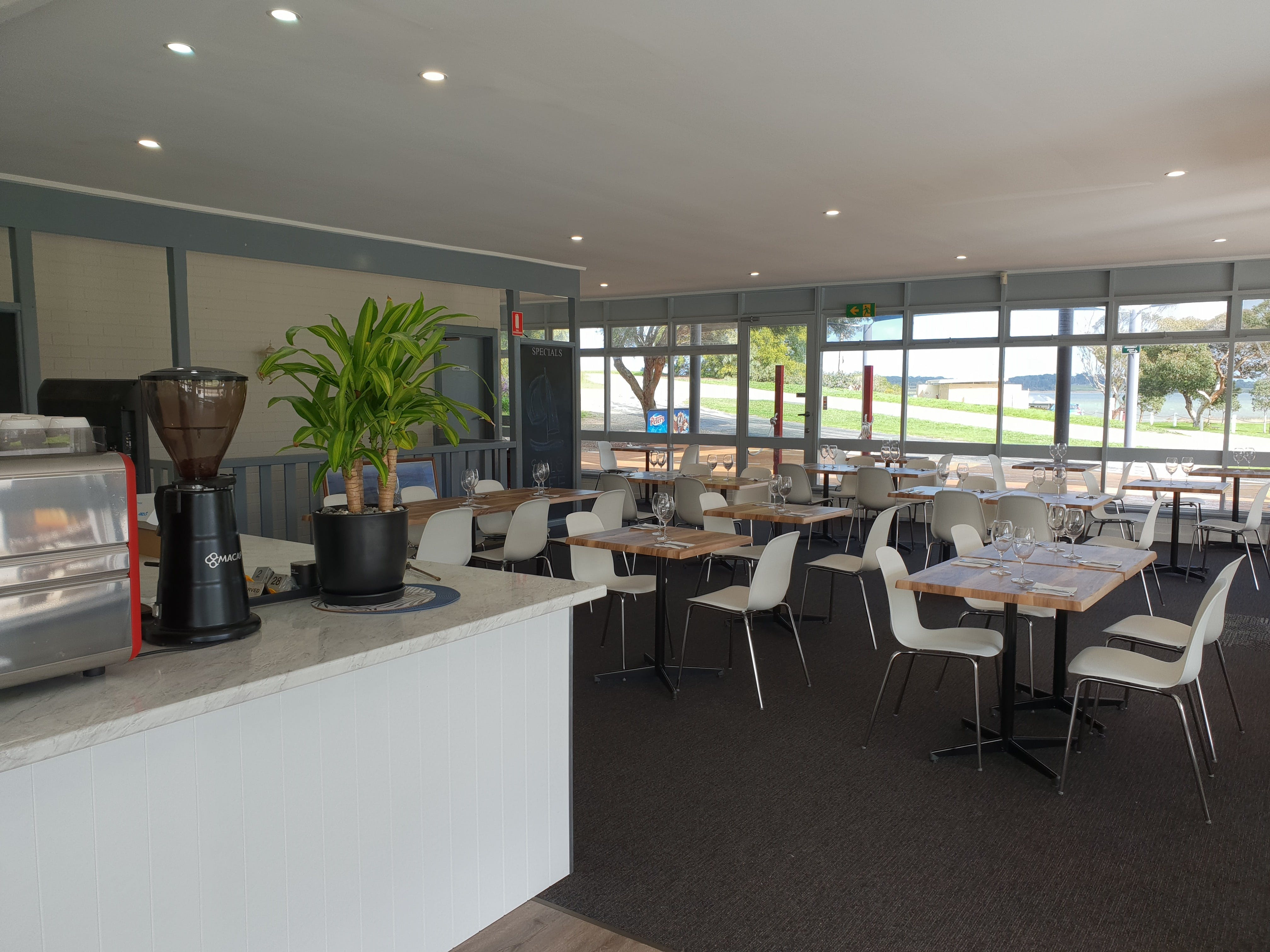 Sails Cafe at Clayton Bay - Sydney Tourism