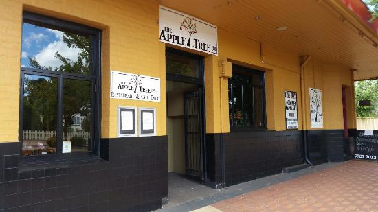 The Apple Tree Inn - Sydney Tourism