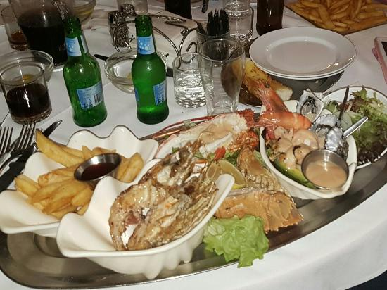 Ashmore Seafood and Steakhouse - Sydney Tourism