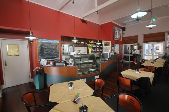 Henry's Cafe and Restaurant - Sydney Tourism