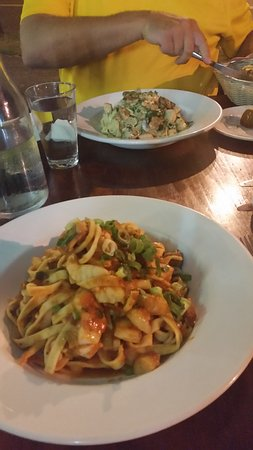 Holloways Pizza and pasta - Sydney Tourism