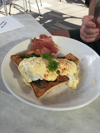 The Coffee Club Yeppoon Esplanade - Sydney Tourism