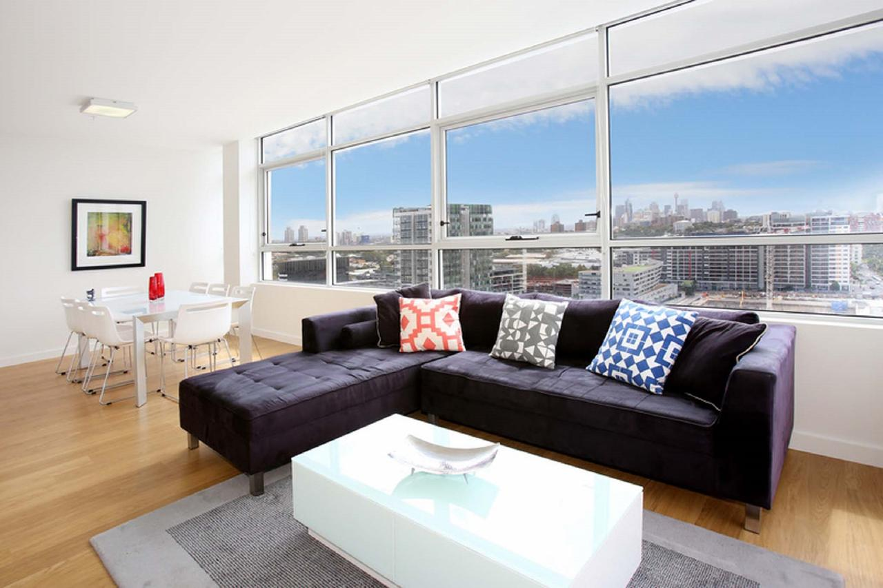 Gadigal Groove - Modern and Bright 3BR Executive Apartment in Zetland with Views Zetland