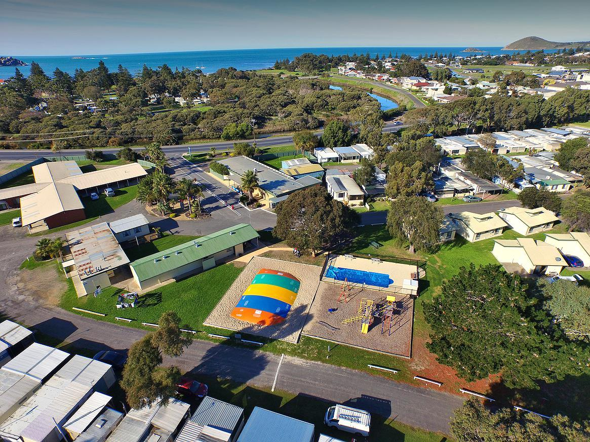 Victor Harbor Holiday  Cabin Park - Sydney Tourism