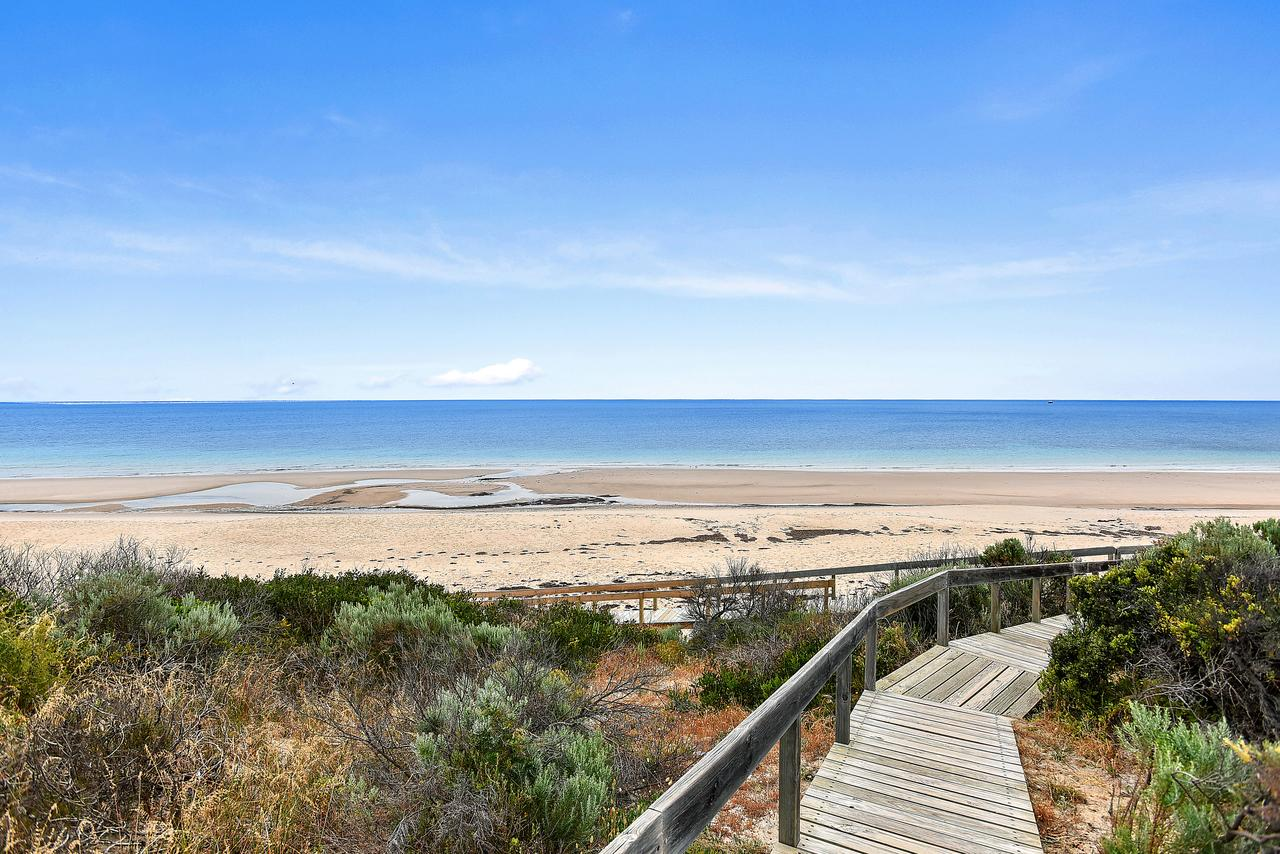 'The Hidden Diamond' - Normanville - Sydney Tourism