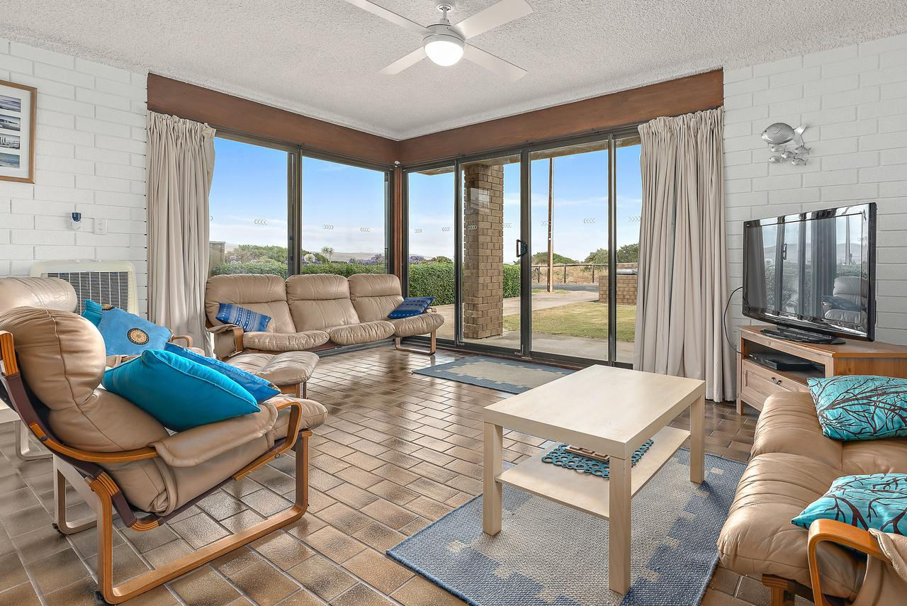Sun  Surf Aldinga Beach Apartment - Sydney Tourism