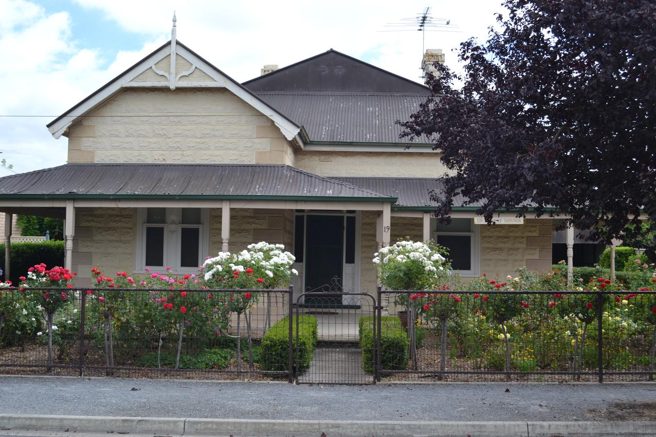 Tin House in Tanunda - Sydney Tourism