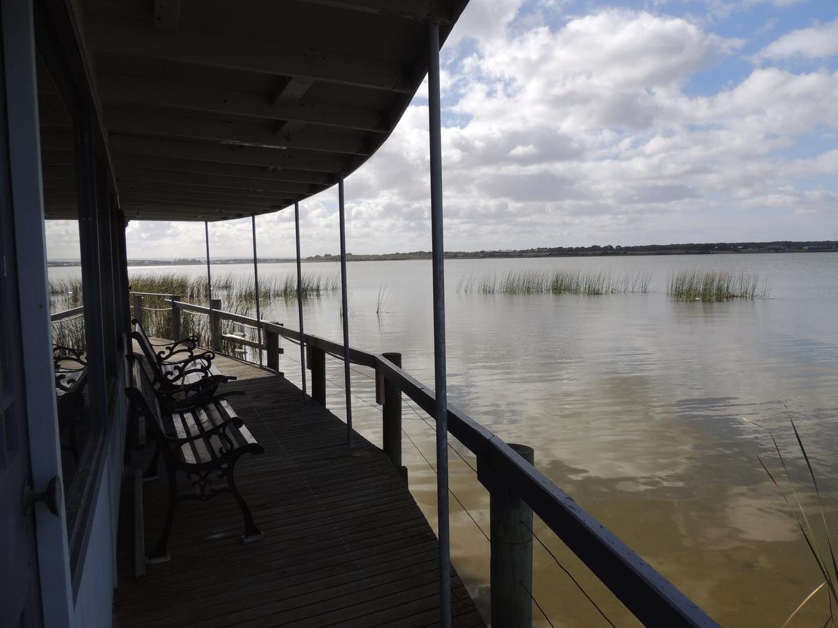 PS Federal Retreat Paddle Steamer Goolwa - Sydney Tourism