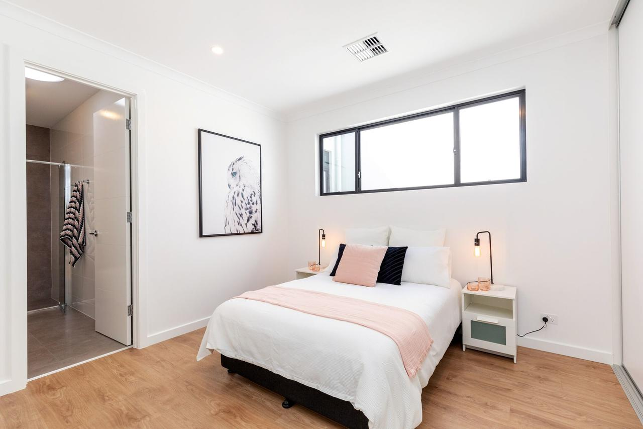 Brand new affordable luxury 3 bedroom 3 bathrooms house close to Adelaide city Chinatown beach Adelaide Airport - Sydney Tourism