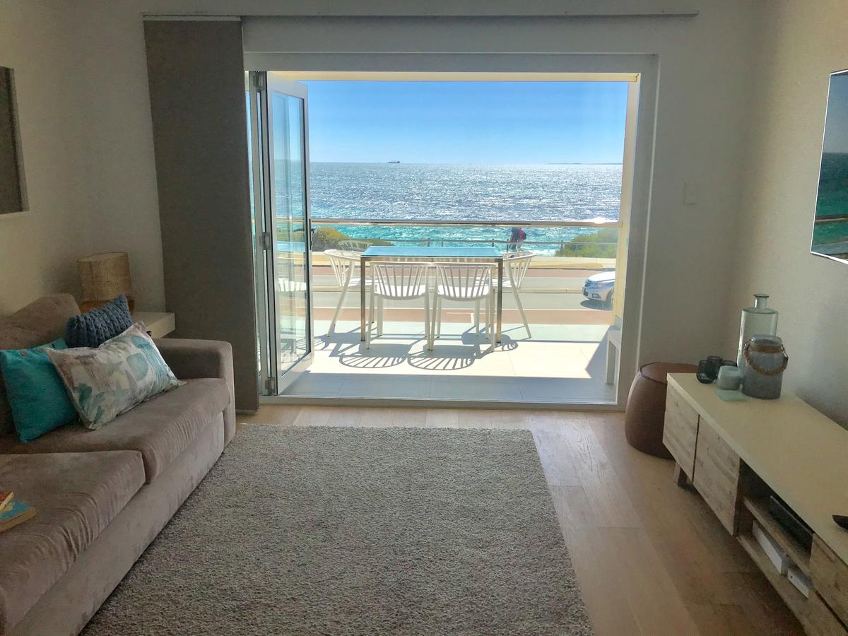 Cottesloe Beachfront Ocean View Apartment - Sydney Tourism