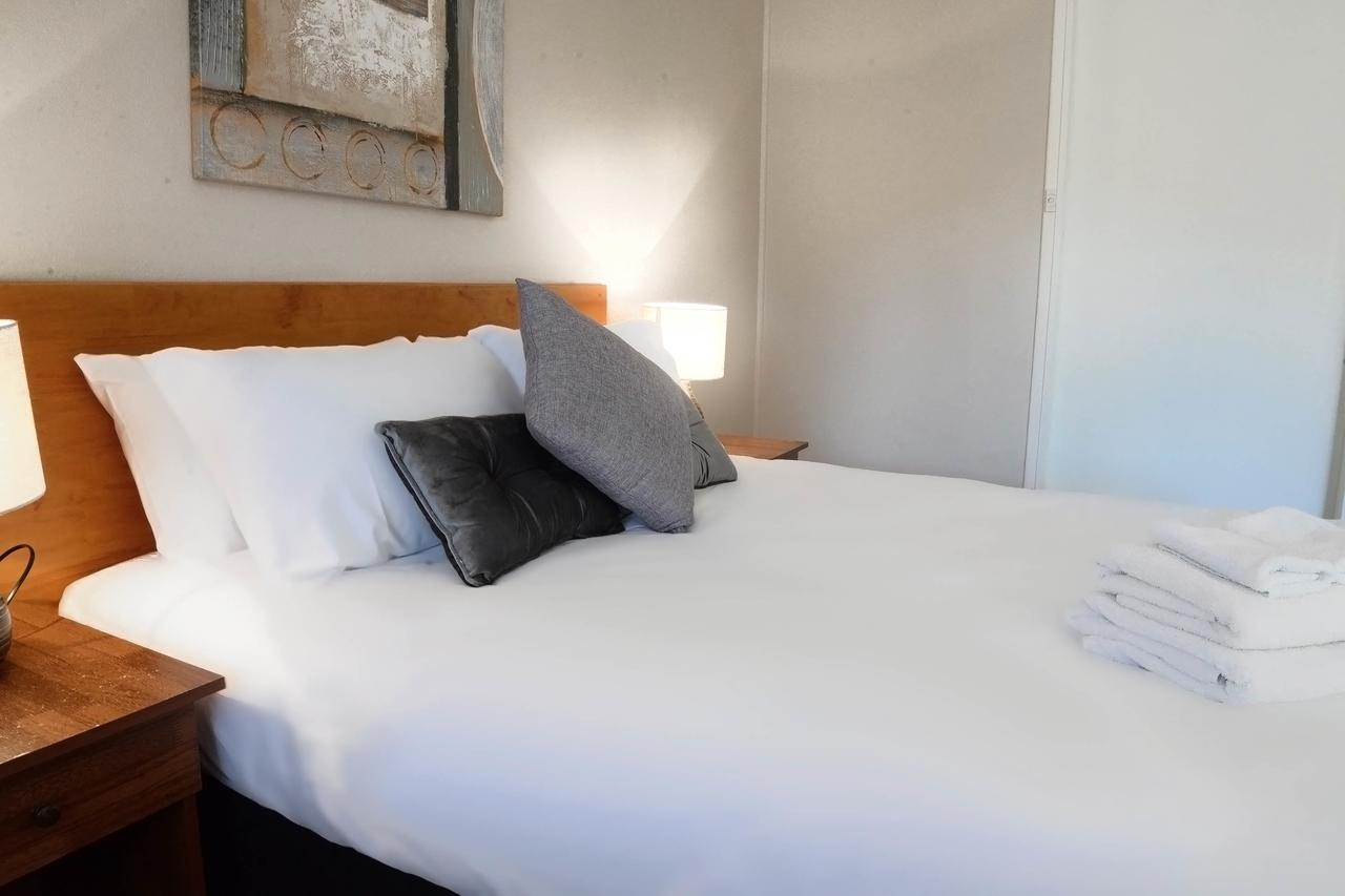 Almond Inn - Sydney Tourism
