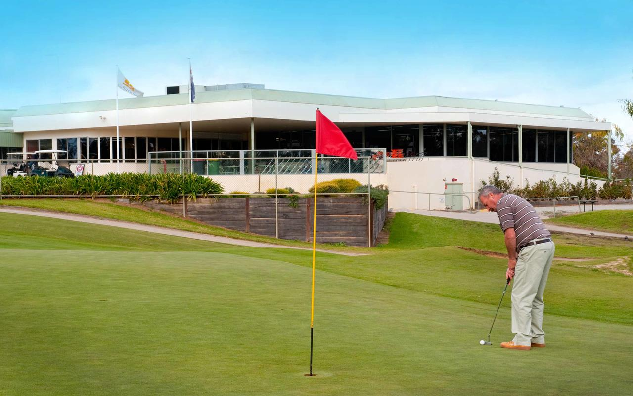 cluBarham Golf Resort - Sydney Tourism