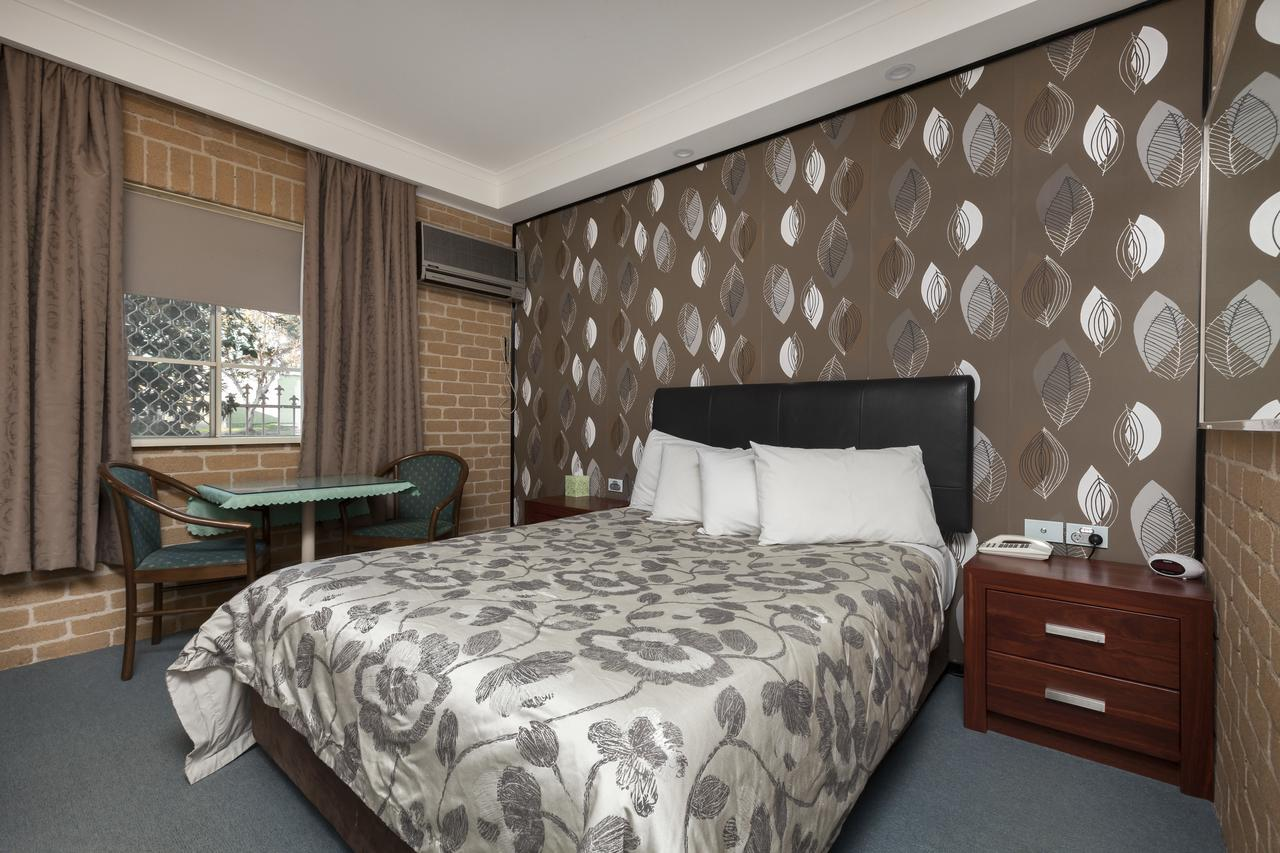 Grand Manor Motor Inn - Sydney Tourism